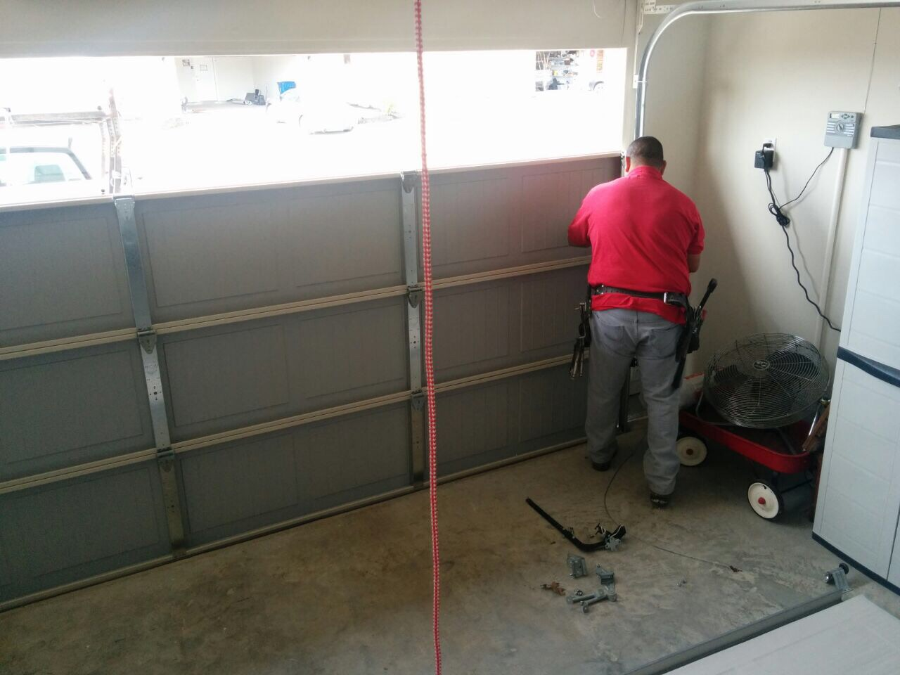 How Much Does it Cost to Repair a Broken Garage Door?
